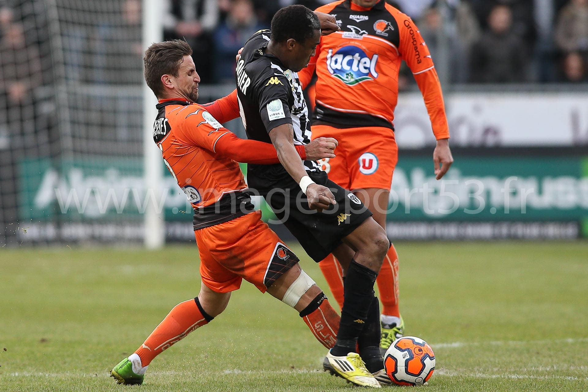 Anthony GONCALVES (Stade Lavallois), Richard SOCRIER (Angers SCO