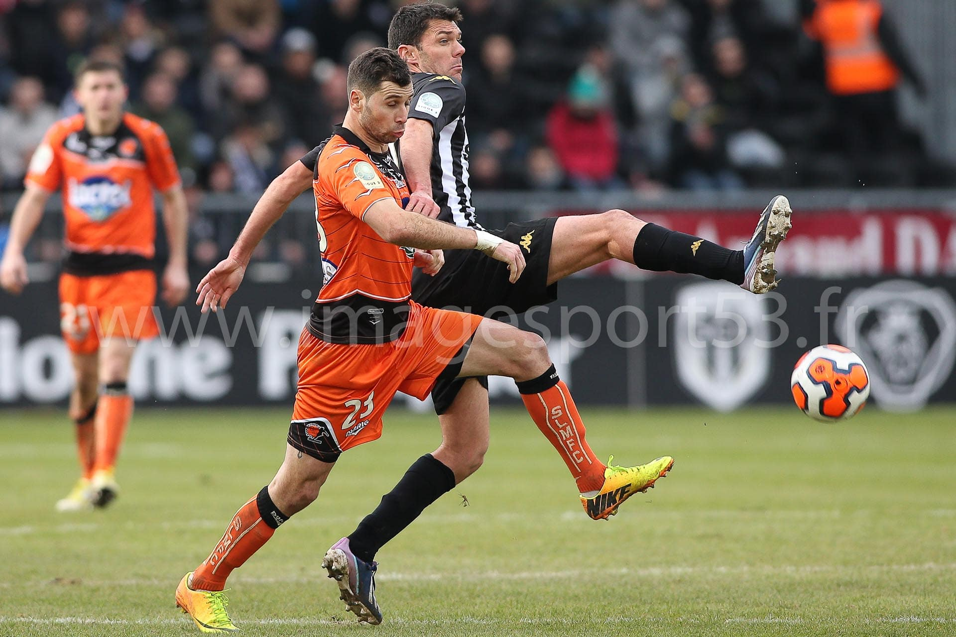 Antony ROBIC (Stade Lavallois),  Charles DIERS (Angers SCO)