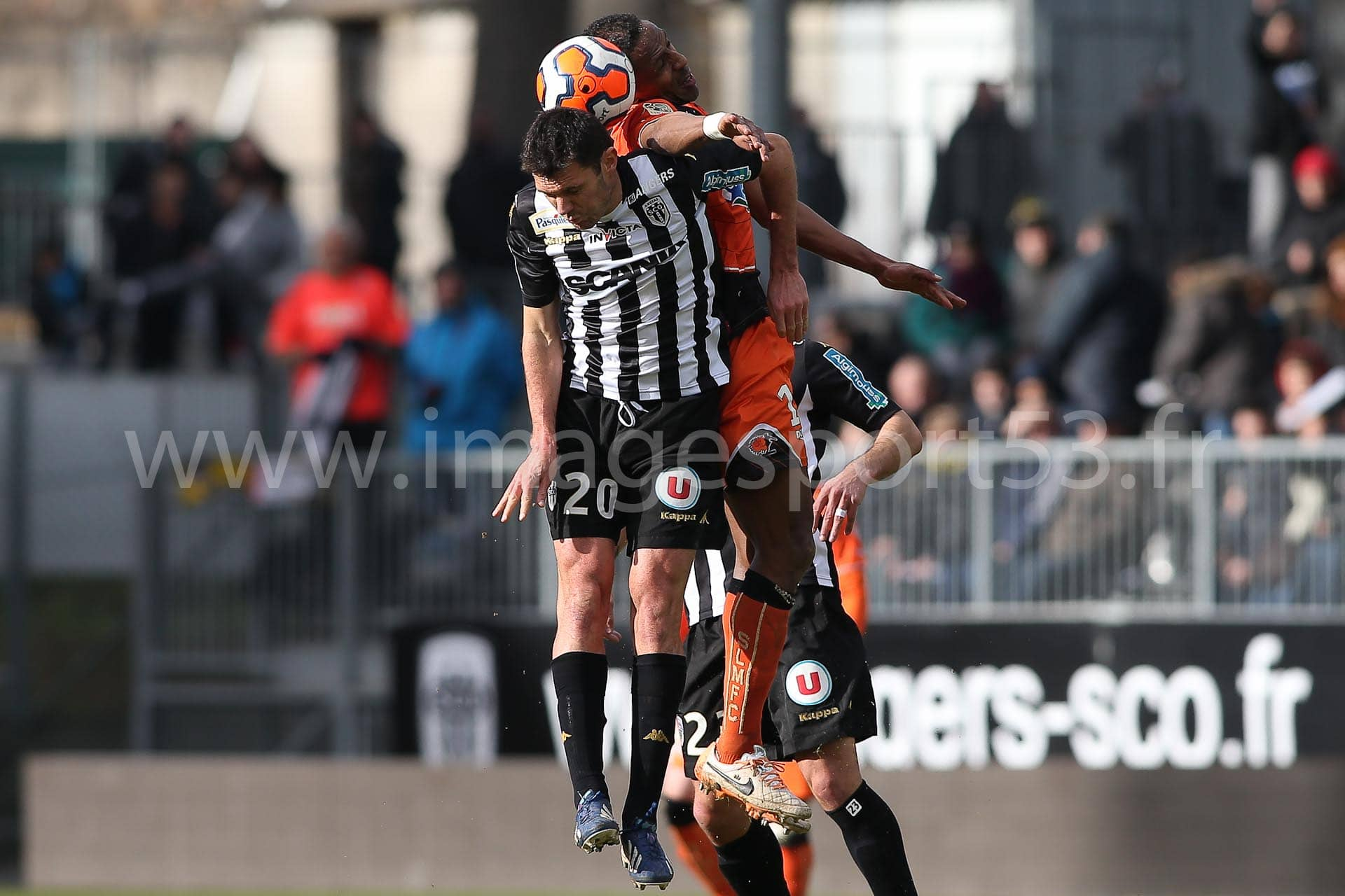 Charles DIERS (Angers SCO), Hassane ALLA (Stade Lavallois)