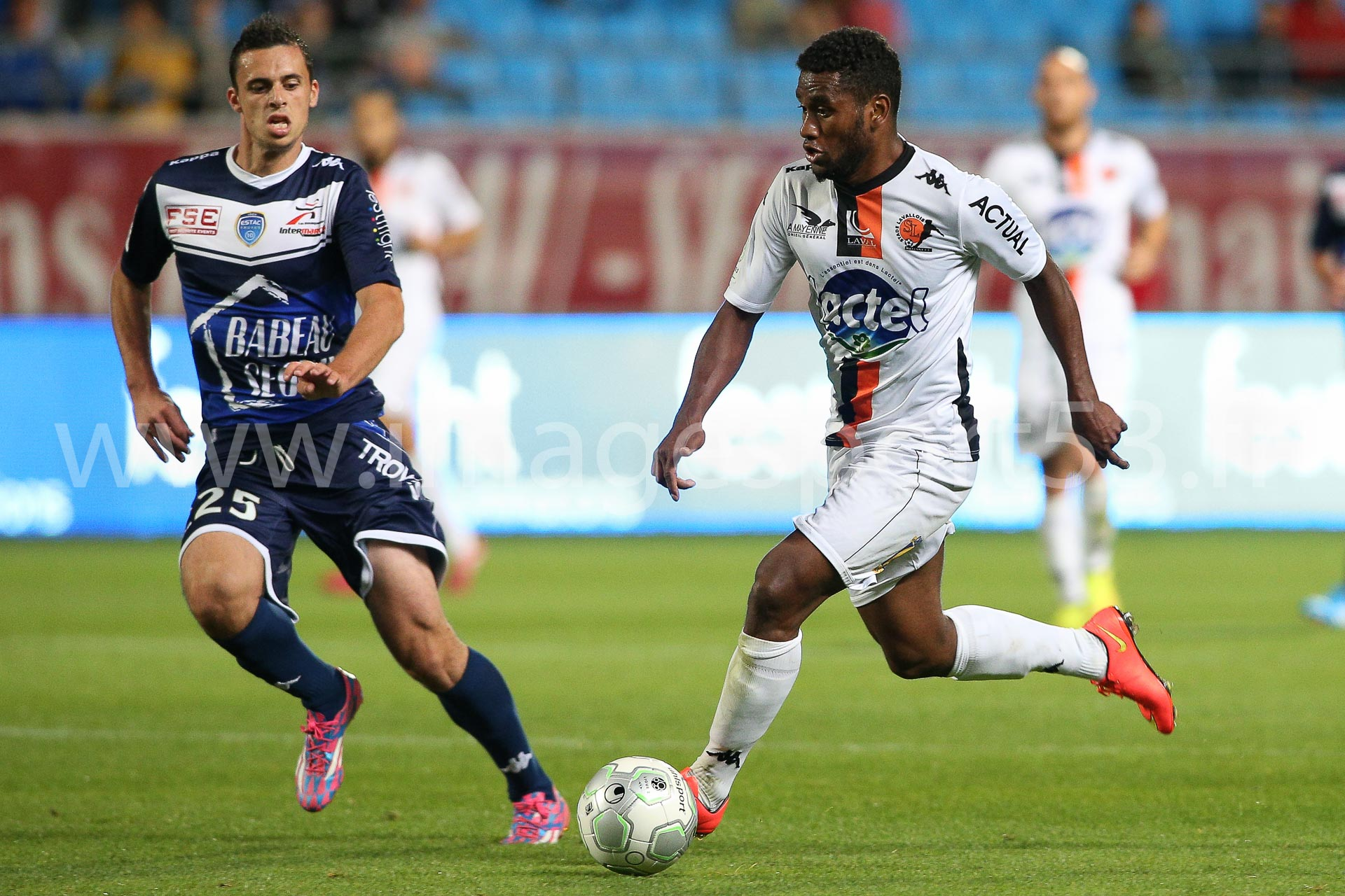 Jessy PI (ES Troyes AC), Cesar ZEOULA (Stade Lavallois)