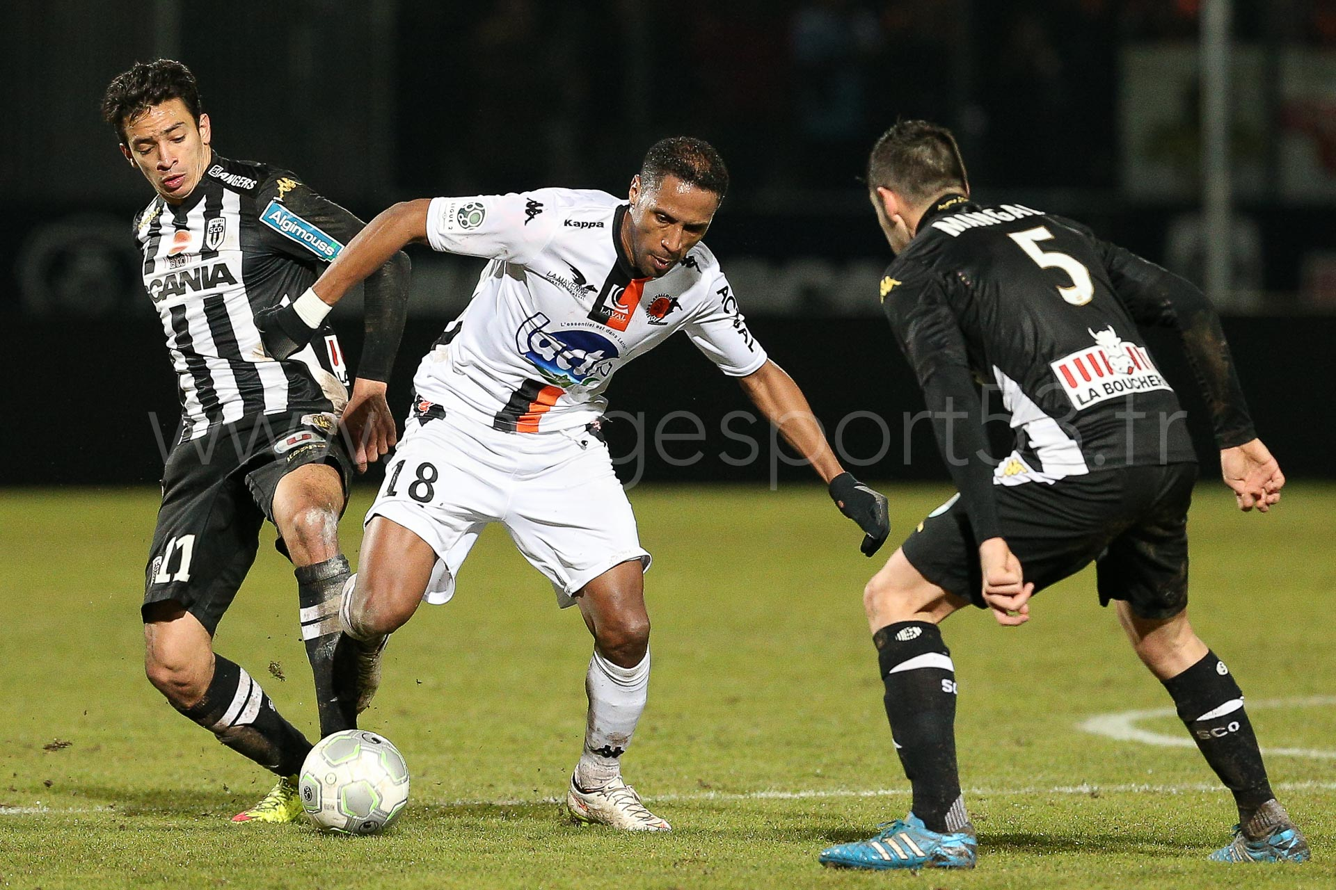 NG-Ligue2-1415-J25-Angers-Laval_18