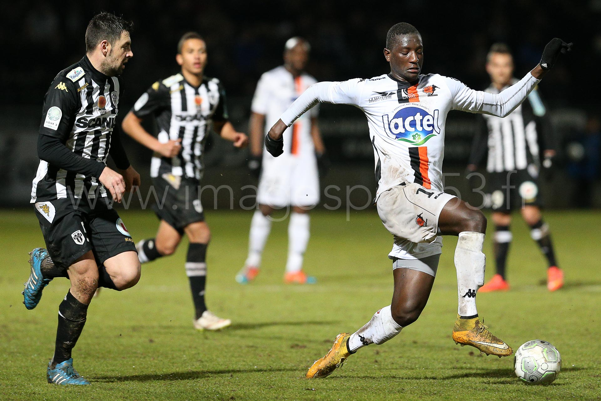 NG-Ligue2-1415-J25-Angers-Laval_30