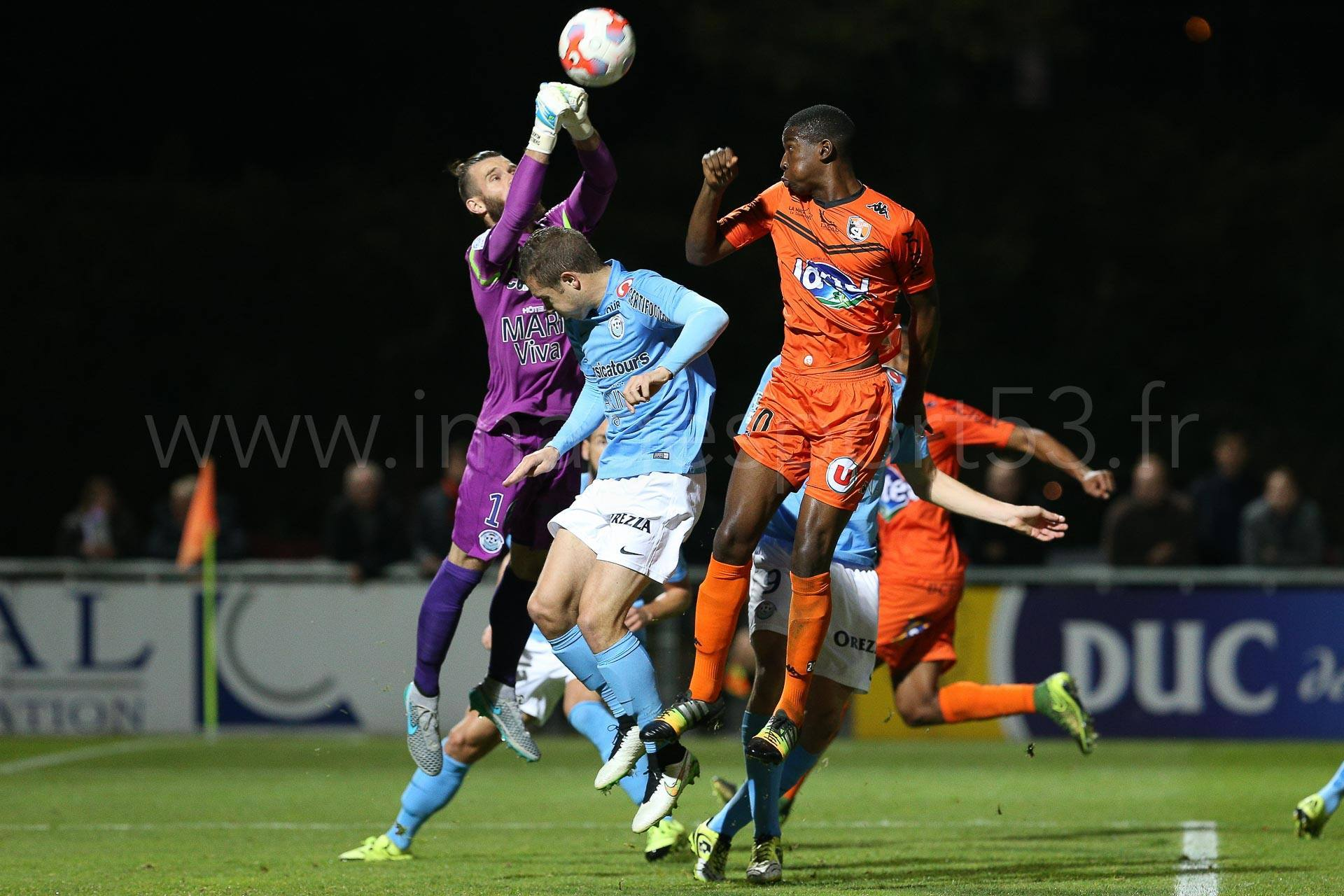 NG-Ligue2-1516-J12-Laval-Tours_41