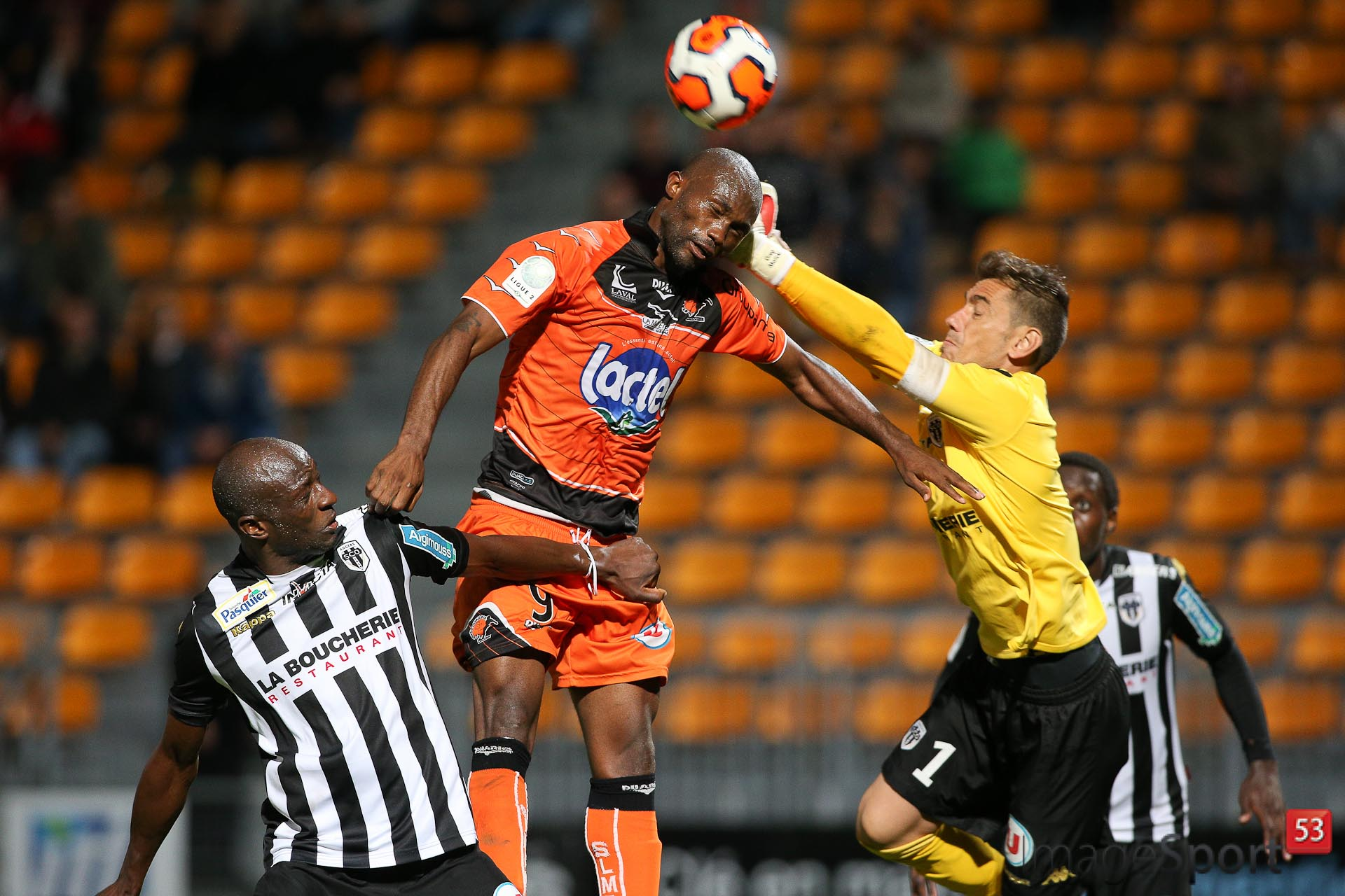 NG_1314_Ligue2_J06_Laval-Angers_12