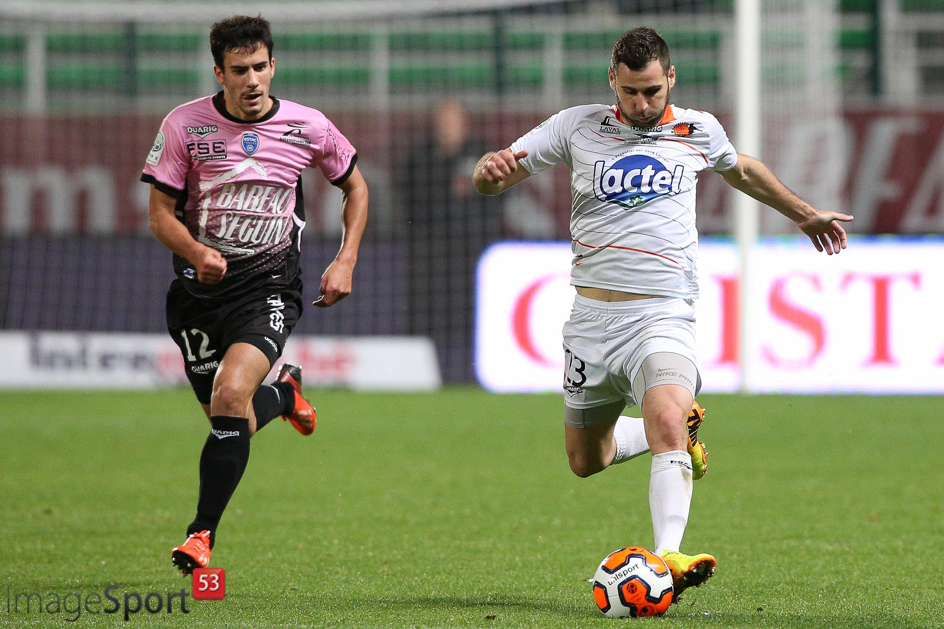 Maxime COLIN (ES Troyes AC)  et Antony ROBIC (Stade Lavallois)