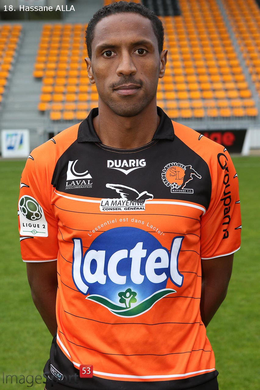 NG_1314_Ligue2_PhotoOfficielle_Stade-Lavallois_12
