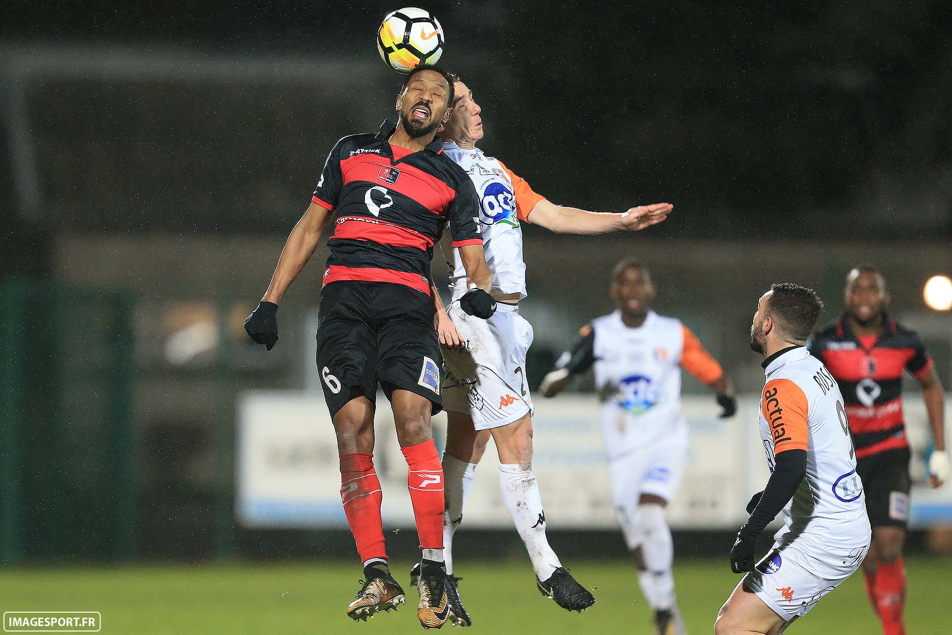 Hassane ALLA (US Boulogne CO) / Kevin PERROT (Stade Lavallois)
