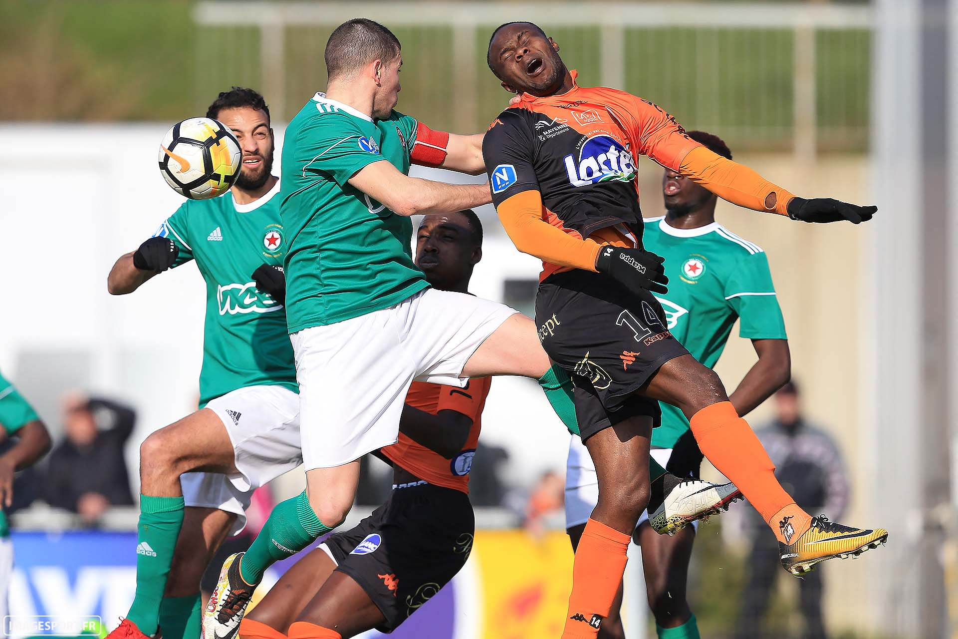 Maxence DERRIEN (Red Star FC) / Patrick ETSHIMI (Stade Lavallois)