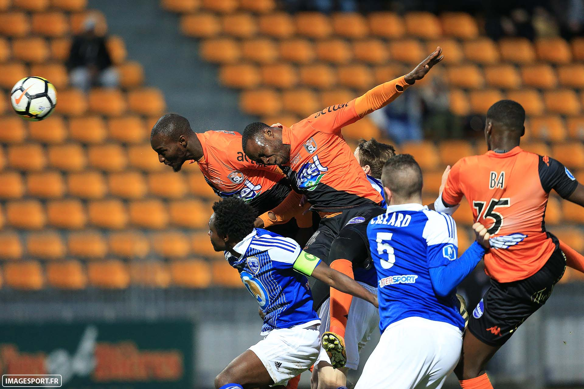 Bira DEMBELE (Stade Lavallois) / Charles BOATENG (US Avranches Mont-Saint-Michel) / Patrick ETSHIMI (Stade Lavallois)