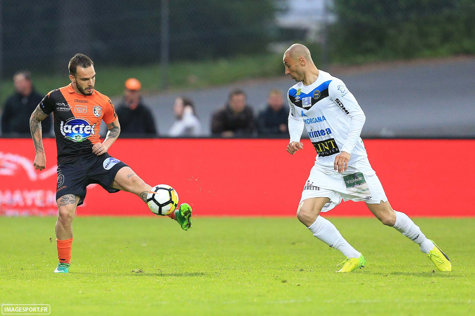 Alexy BOSETTI (Stade Lavallois) / Laurent HELOÏSE (FC Chambly Oise)