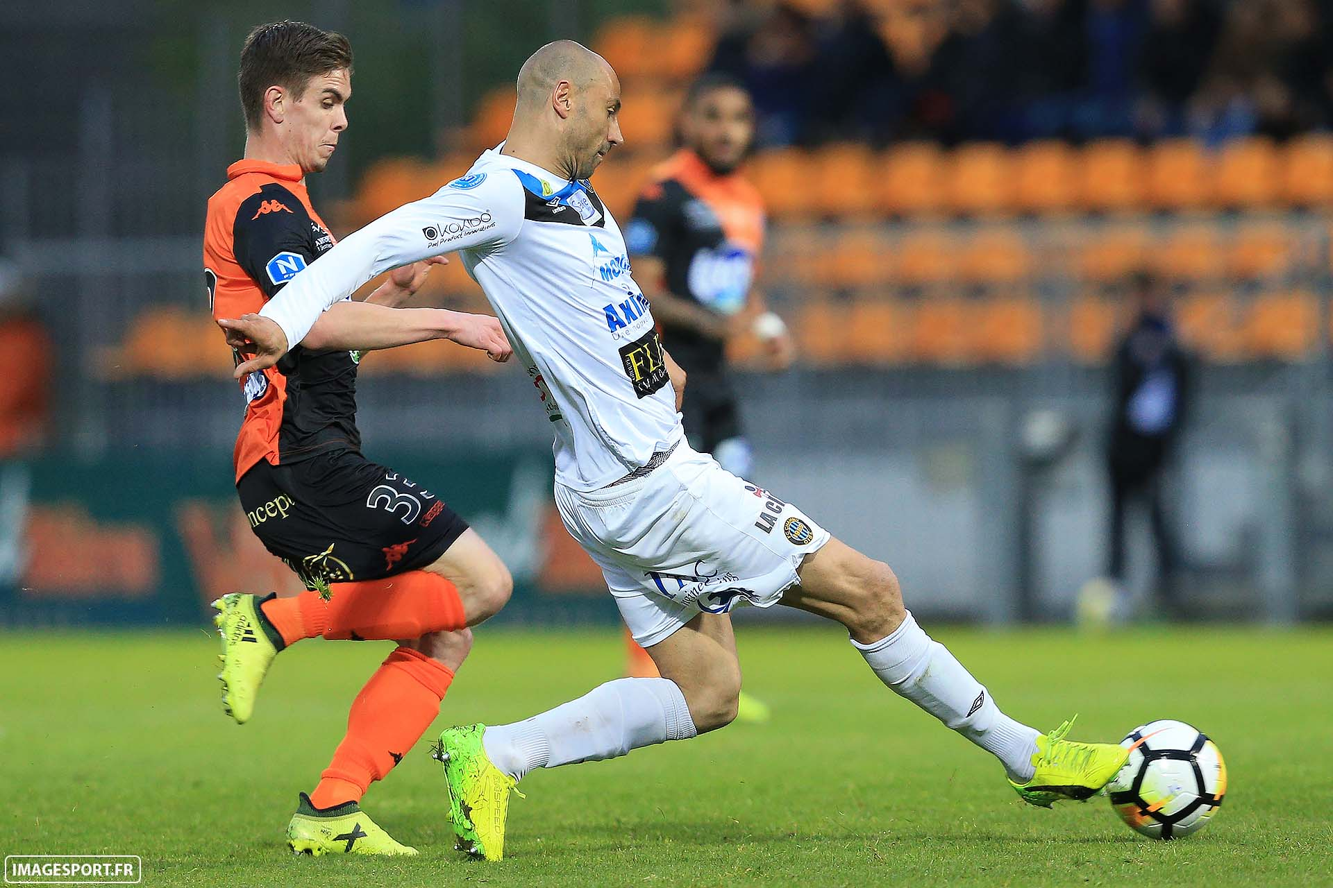 Clément COUVRY (Stade Lavallois) / Laurent HELOÏSE (FC Chambly Oise