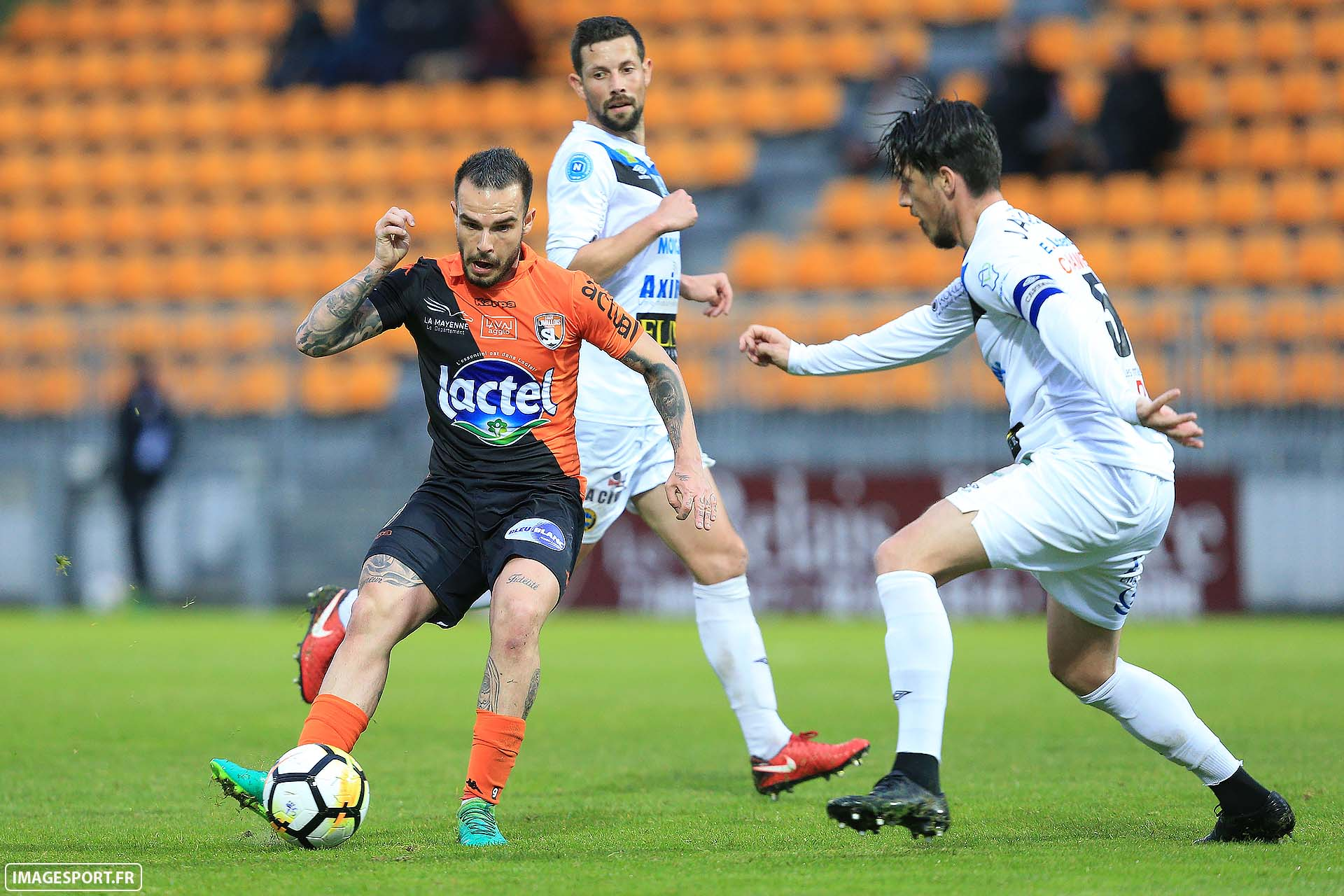 Alexy BOSETTI (Stade Lavallois) / Thibault JAQUES (FC Chabmly Oise)
