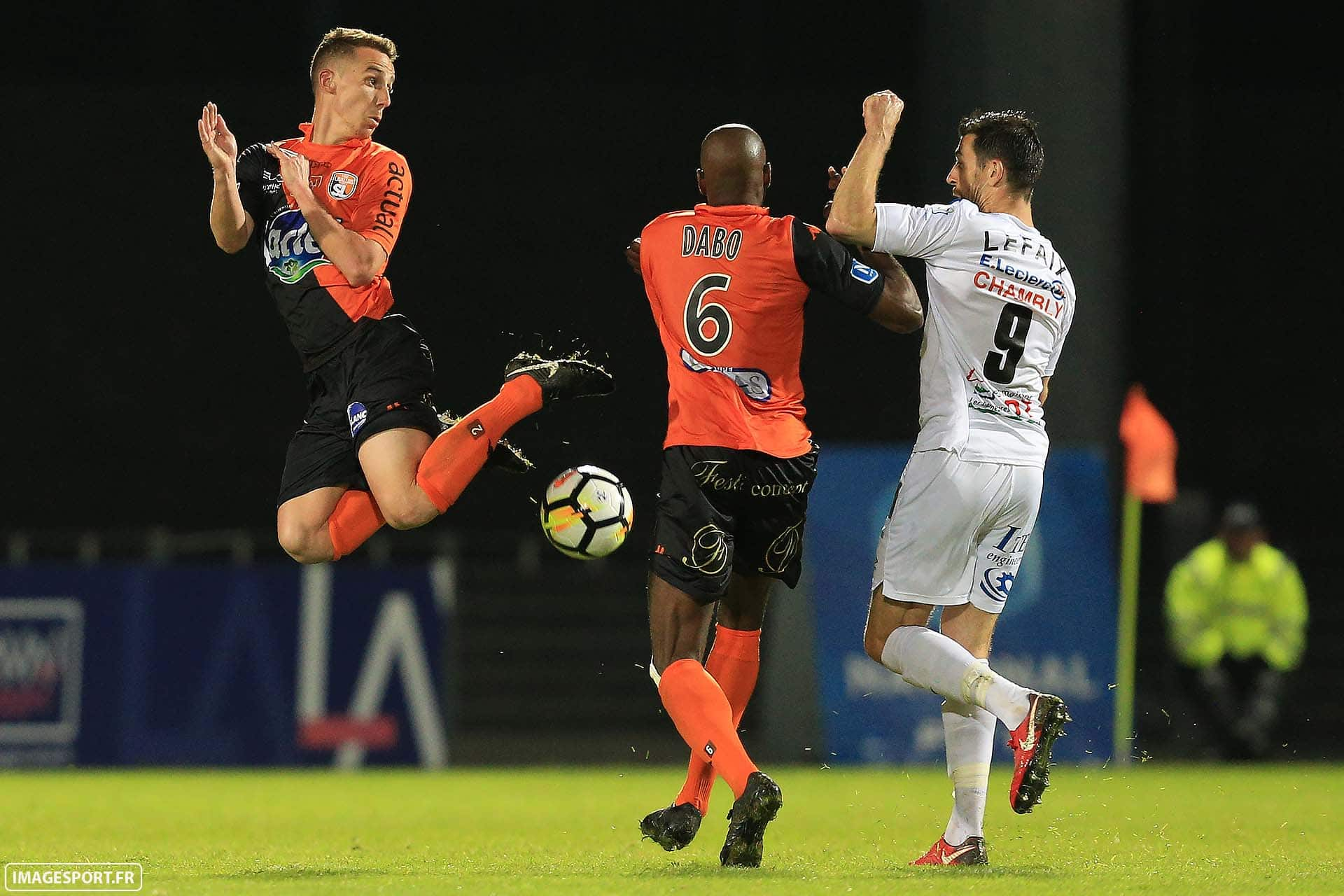 Kevin PERROT (Stade Lavallois) / Diaguely DABO (Stade Lavallois) / Kevin LEFAIX (FC Chambly Oise)