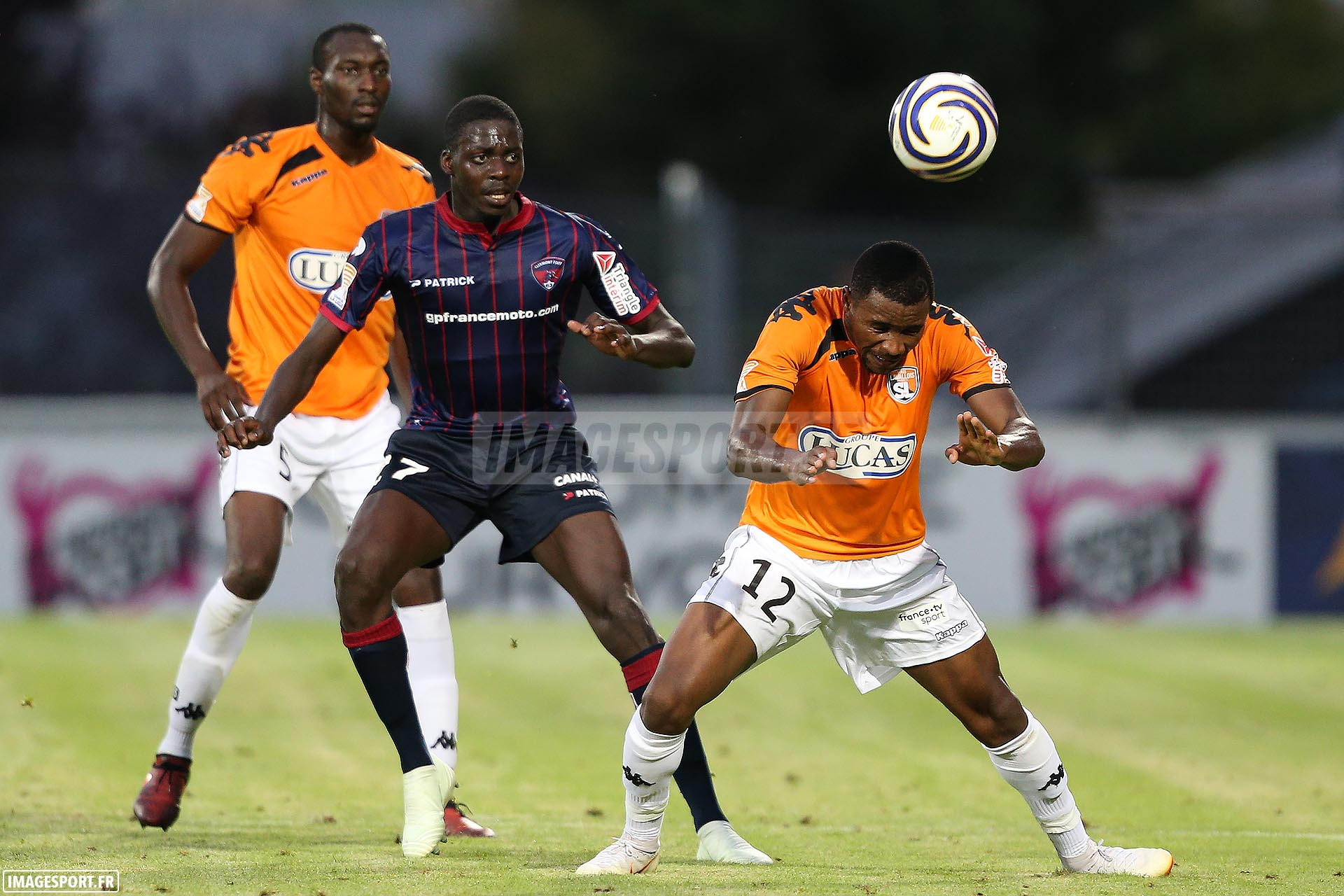 Mohamed BAYO (Clermont Foot) / Sharly MABUSSI (Stade Lavallois)