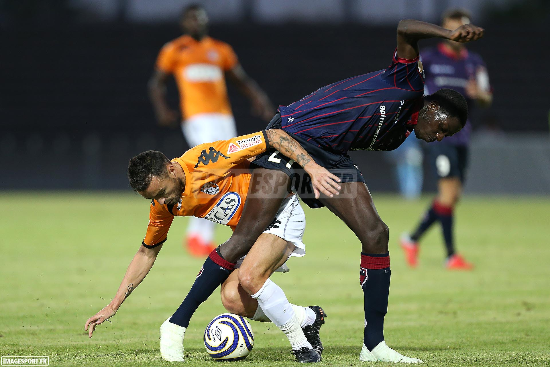 Gaël DANIC (Stade Lavallois) / Mohamed BAYO (Clermont Foot)
