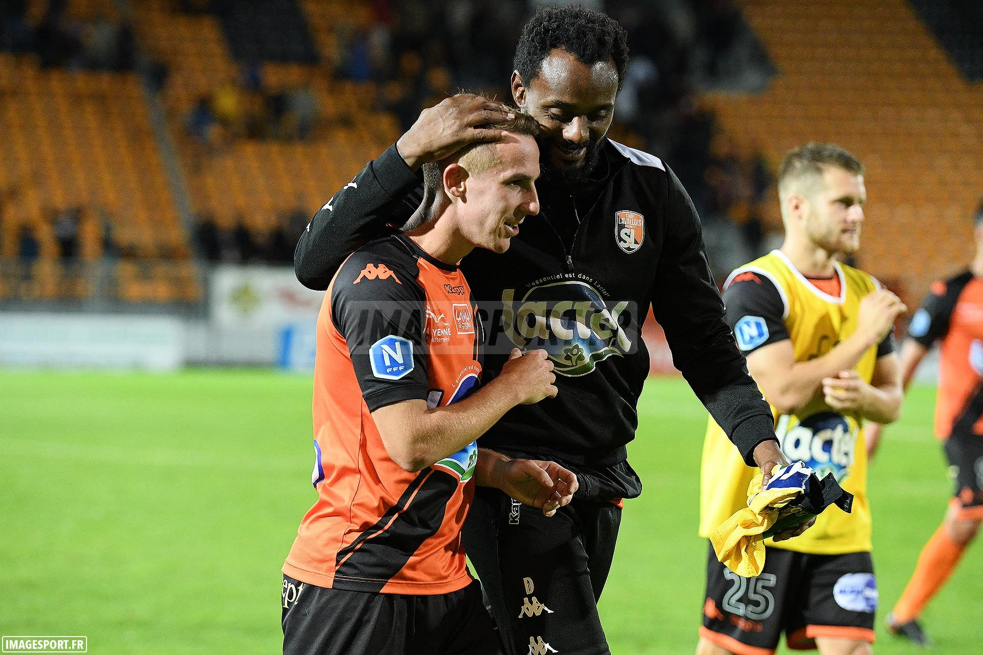 Kevin PERROT(Stade Lavallois) / RINCON (Stade Lavallois)