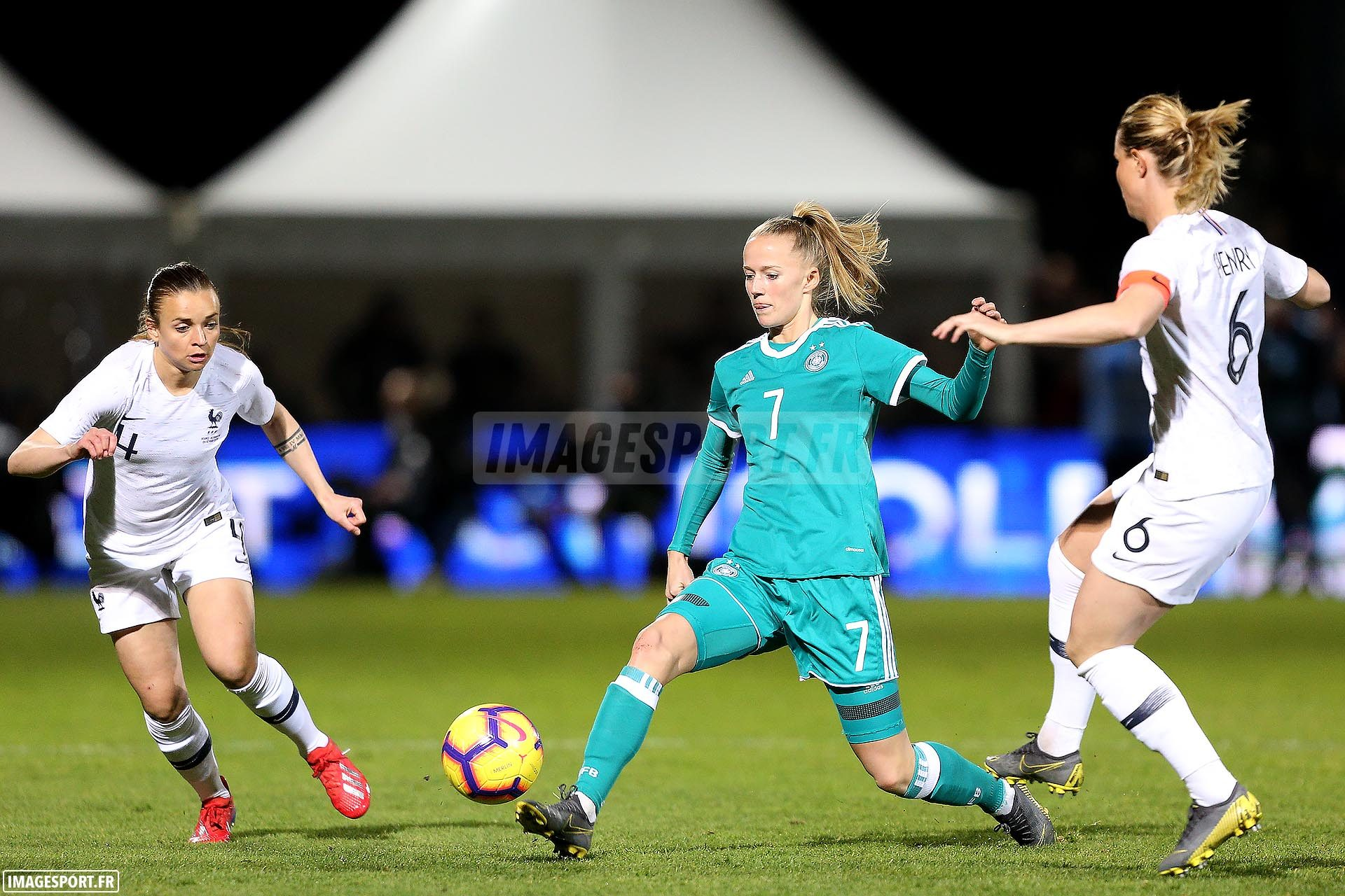 Marion TORRENT (France) / Lea SCHULLER (Allemagne) / Amandine HENRY (France)