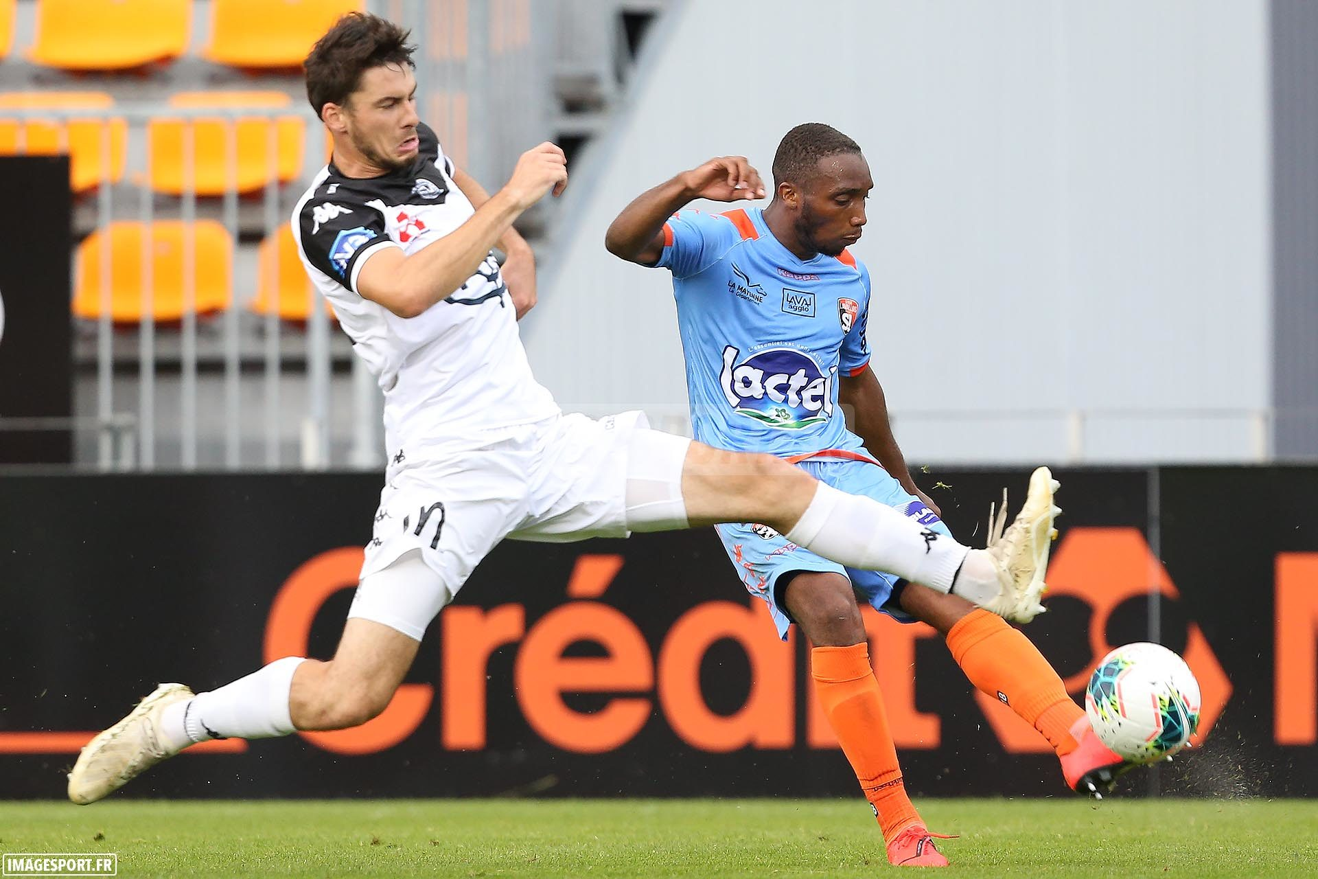 A droite : Ludovic SOARES (Stade Lavallois)
