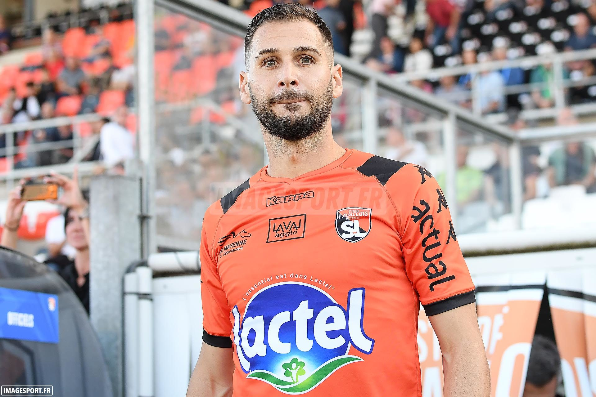 national-stade-lavallois-red-star-2019-2020_04