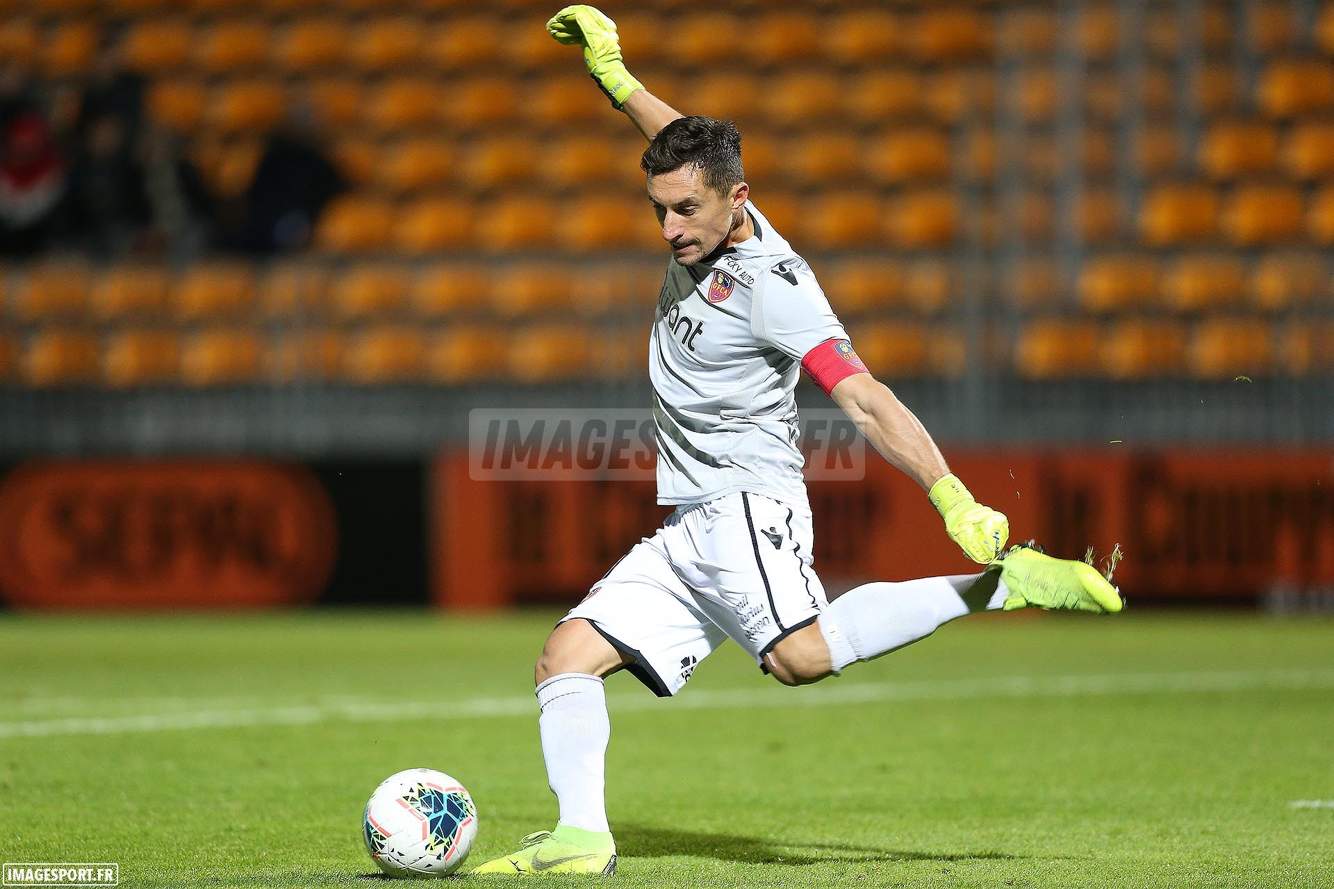 national-laval-ajaccio-football_12