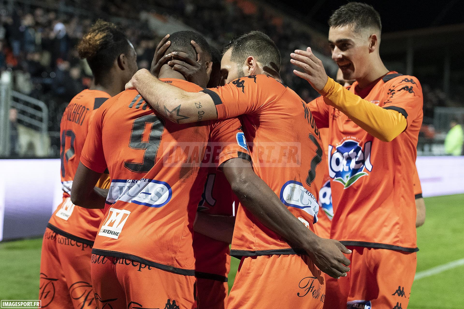 national-laval-ajaccio-football_19